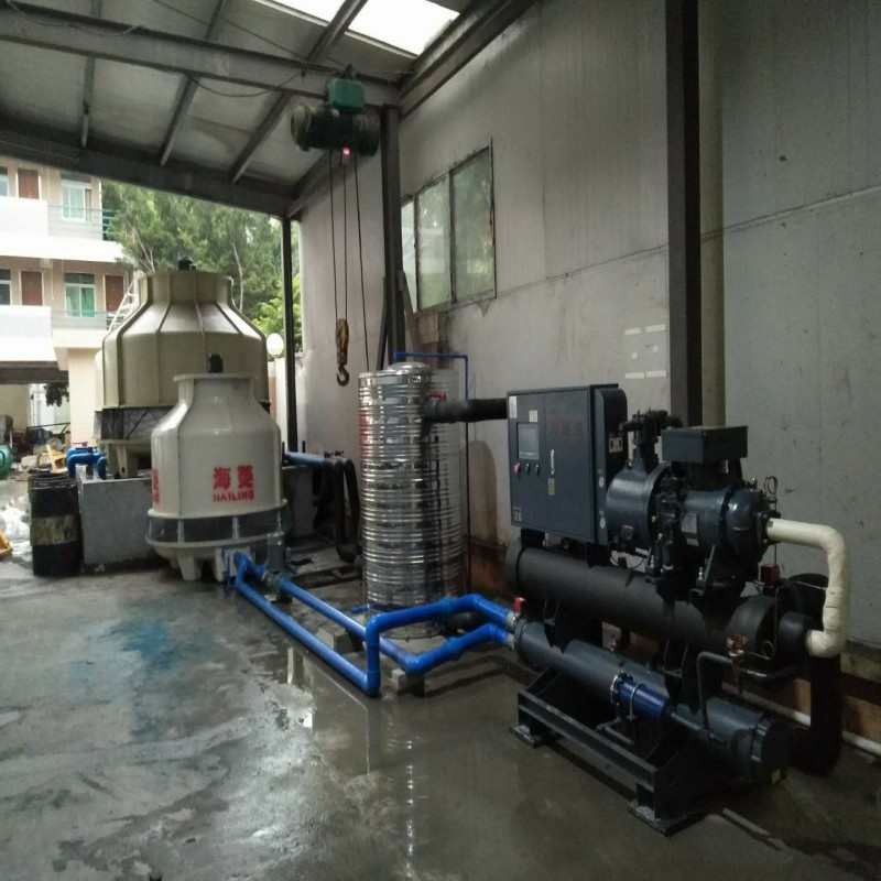central cooling system solution for mould injection factory.jpg